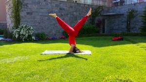 Uluslararası Yoga Alliance Eğitmeni Canan Korkmaz, hepinizi İzmir Güzelbahçe ve Zeytinalanı'nda doğa içinde yoga derslerine davet ediyor.