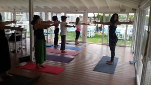Mindfulnes yani bilinçli farkındalık egzersizleri, nefes çalışmaları, yoga, meditasyon ve sanat kamplarımız devam ediyor.