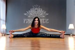 Canan Yıldırım ile İzmir, Alsancak, Kıbrıs Şehitleri'nde yoga derslerine katılın. Siz değişin yaşamınız dönüşsün.