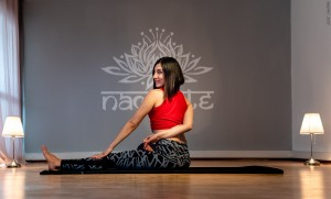İzmir, Alsancak'ta bulunan yoga stüdyomuzda, yoga felsefesi, pranayamai nefes,  meditasyon, odaklanma ve konsantrasyon dersleri başladı.
